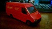 czerwony Ford Transit